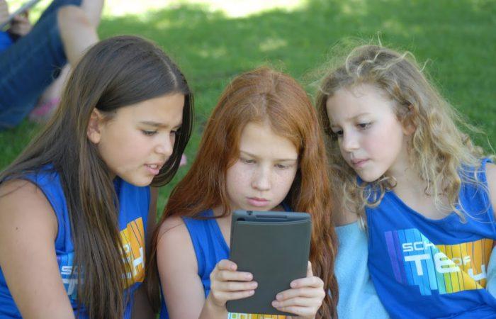 Academia de Tecnología para niños entre 6 y 16 años.